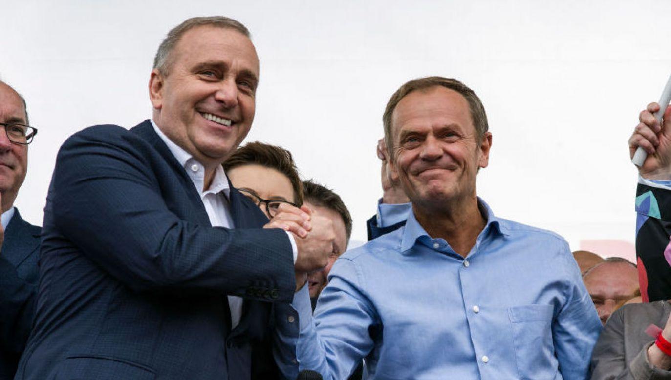 Grzegorz Schetyna i Donald Tusk (fot. Attila Husejnow/SOPA Images/LightRocket via Getty Images)
