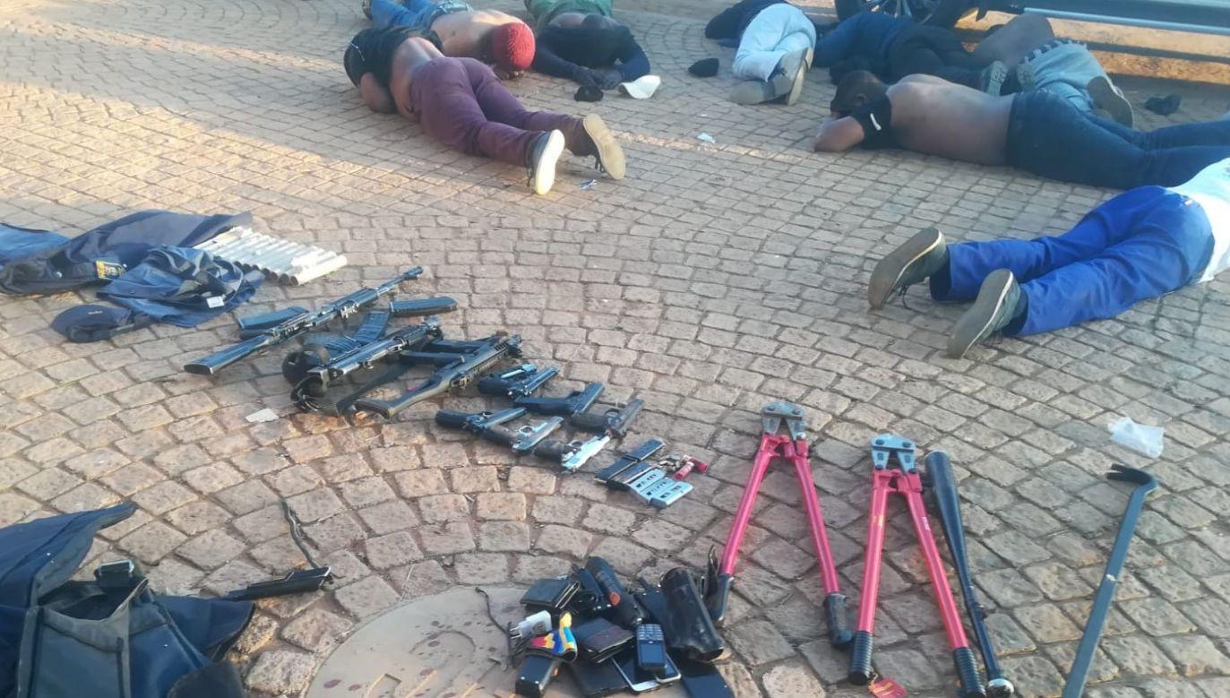Aresztowano 40 osób (fot. Twitter/SA Police Service)