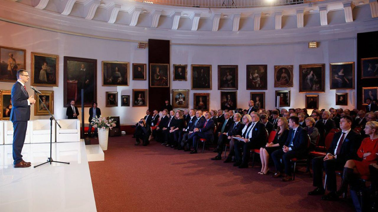 Mateusz Morawiecki wskazał, że polskie firmy mogą być kołem napędowym gospodarki (fot. TT/KPRM)