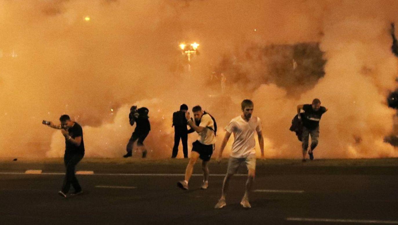 Władza dusi protesty na Białorusi (fot.PAP/EPA/TATYANA ZENKOVICH)