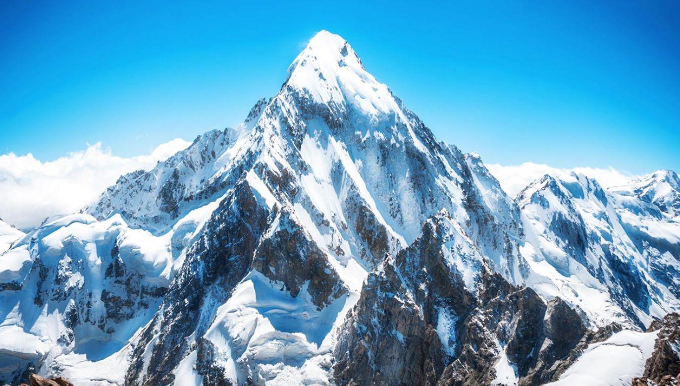 W ostatnim czasie z góry ewakuowano ponad 30 zakażonych alpinistów (fot. Shutterstock/Vixit)