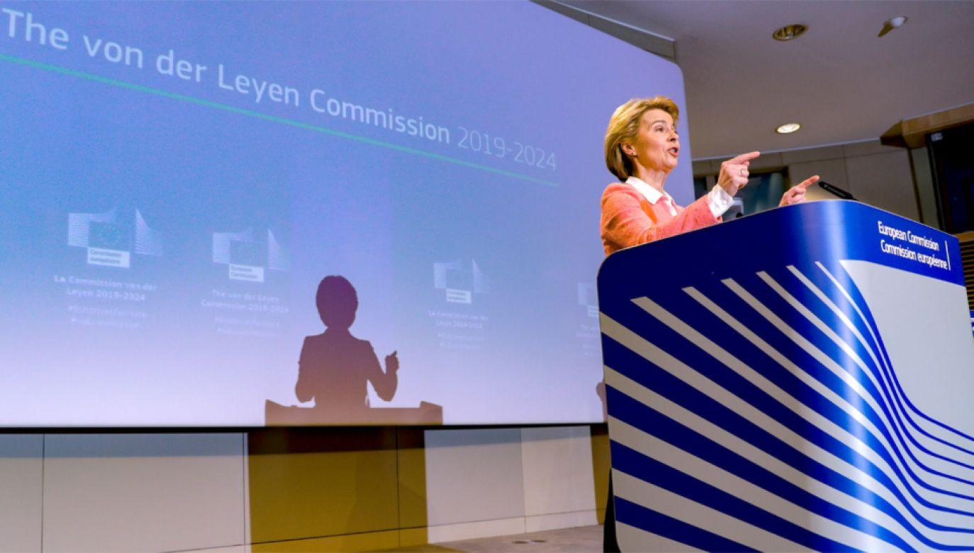 Przyszła szefowa Komisji Europejskiej Ursula von der Leyen szuka oszczędności (fot. PAP/EPA/OLIVIER HOSLET)