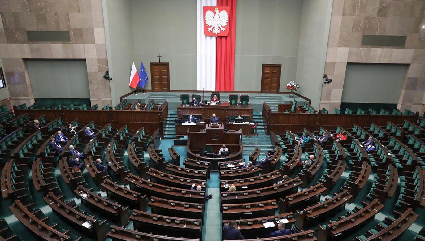 Sejm przyjął uchwałę ustanawiającą rok 2021 Rokiem Grupy Ładosia (fot. PAP/Tomasz Gzell)