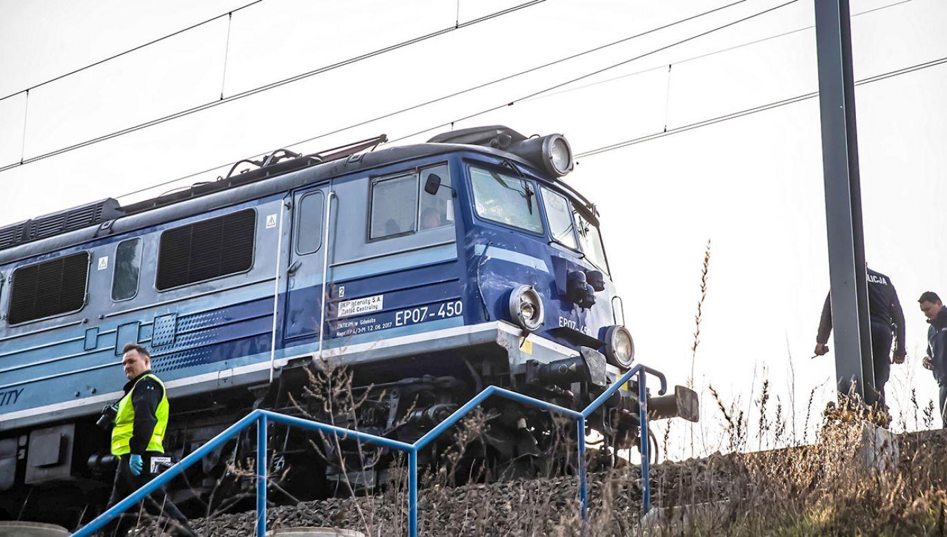 Wstrzymano ruch pociągów w obu kierunkach (fot. arch.PAP/Bartosz Jankowski)