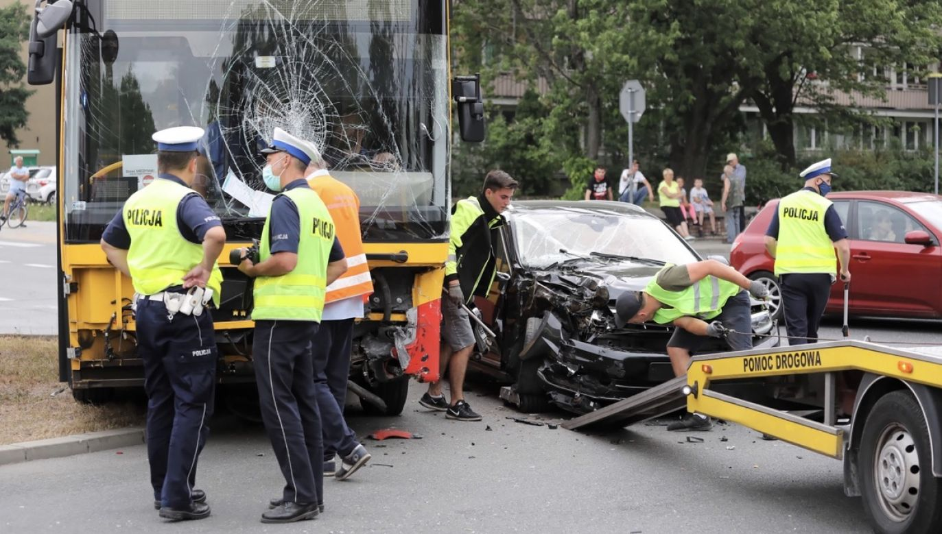 Dwie osoby zostały ranne (fot. PAP/Tomasz Gzell)