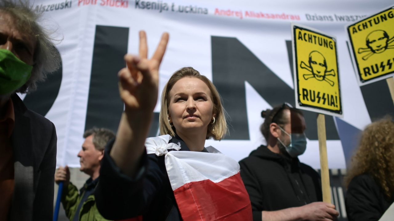 Manifestacja w obronie Andrzeja Poczobuta w Warszawie (fot. PAP/Marcin Obara)