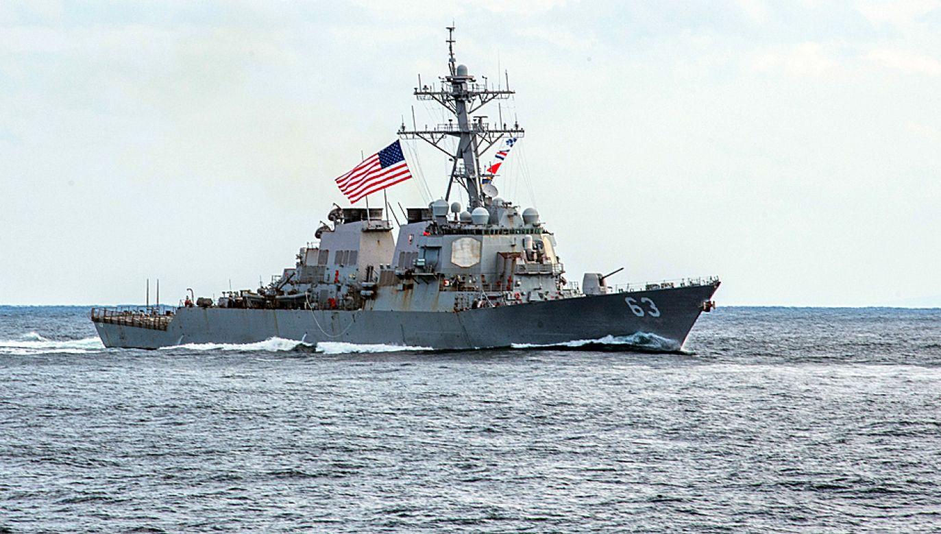 Załoga okrętu wojennego USA zatrzymała załogę frachtowca (fot. US Navy)