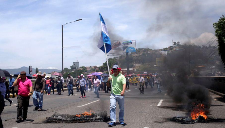 Chaos w Hondurasie trwa w zasadzie od uzyskania przez ten kraj niepodległości niemal 200 lat temu (fot. PAP/EPA/Gustavo Amador)