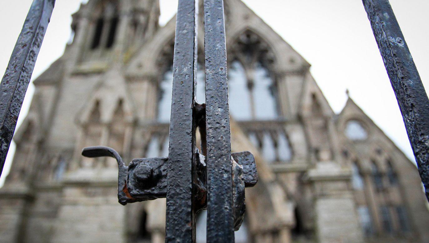 Jedyną możliwością udziału w liturgii jest przekaz online (fot. Ewan Bootman/NurPhoto via Getty Images)