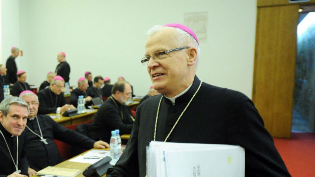 Metropolita przemyski, przewodniczący KEP abp Józef Michalik (P)
