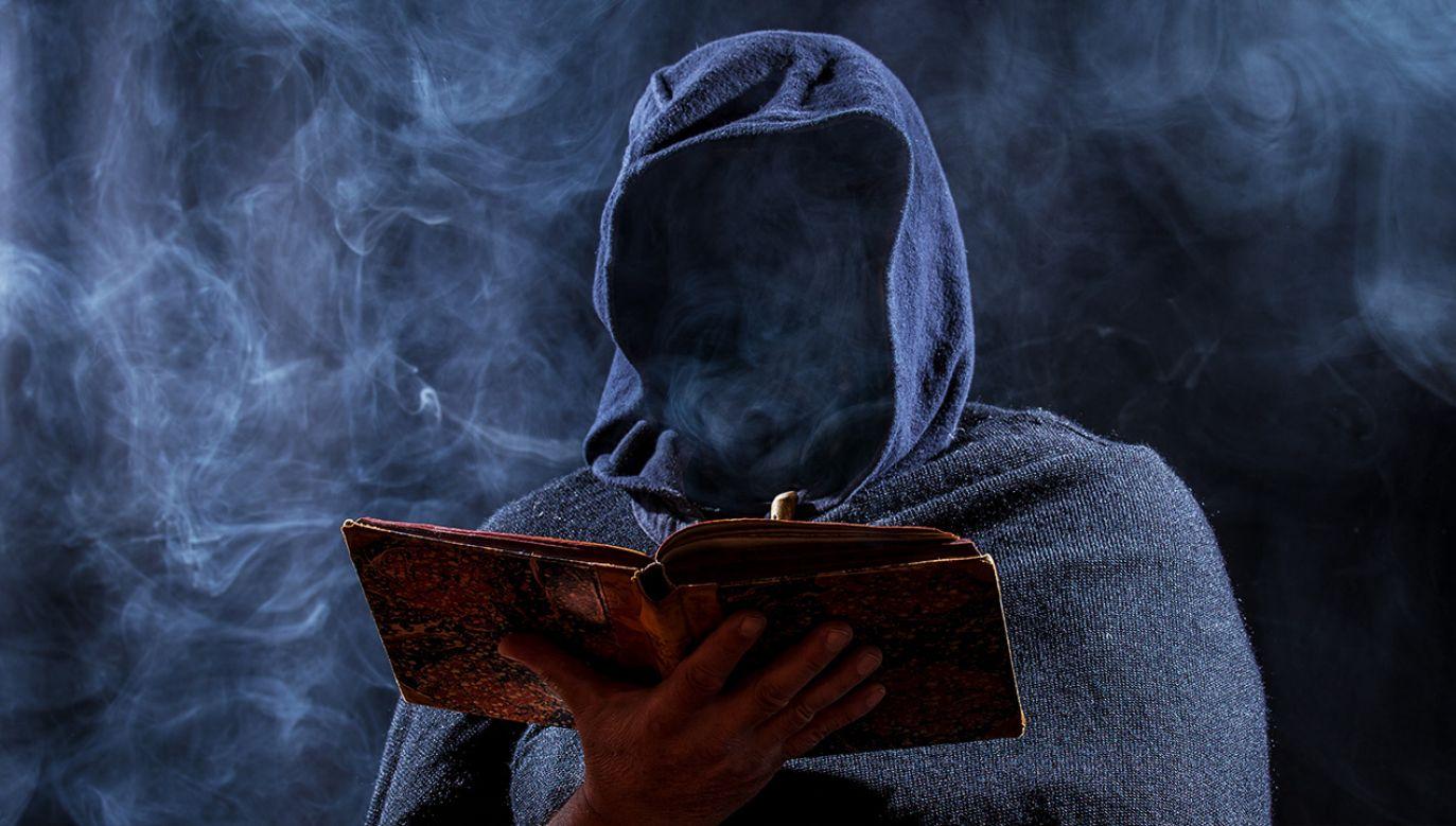 Zatrzymani są członkami sekty Nowe Światło Boga (fot. Shutterstock/Rainer Fuhrmann)