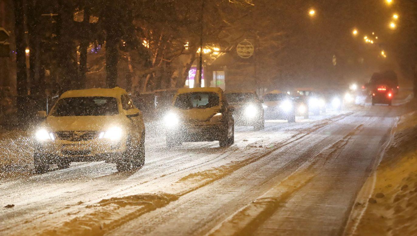 Intensywne opady śniegu w Zakopanem (fot. PAP/Grzegorz Momot)
