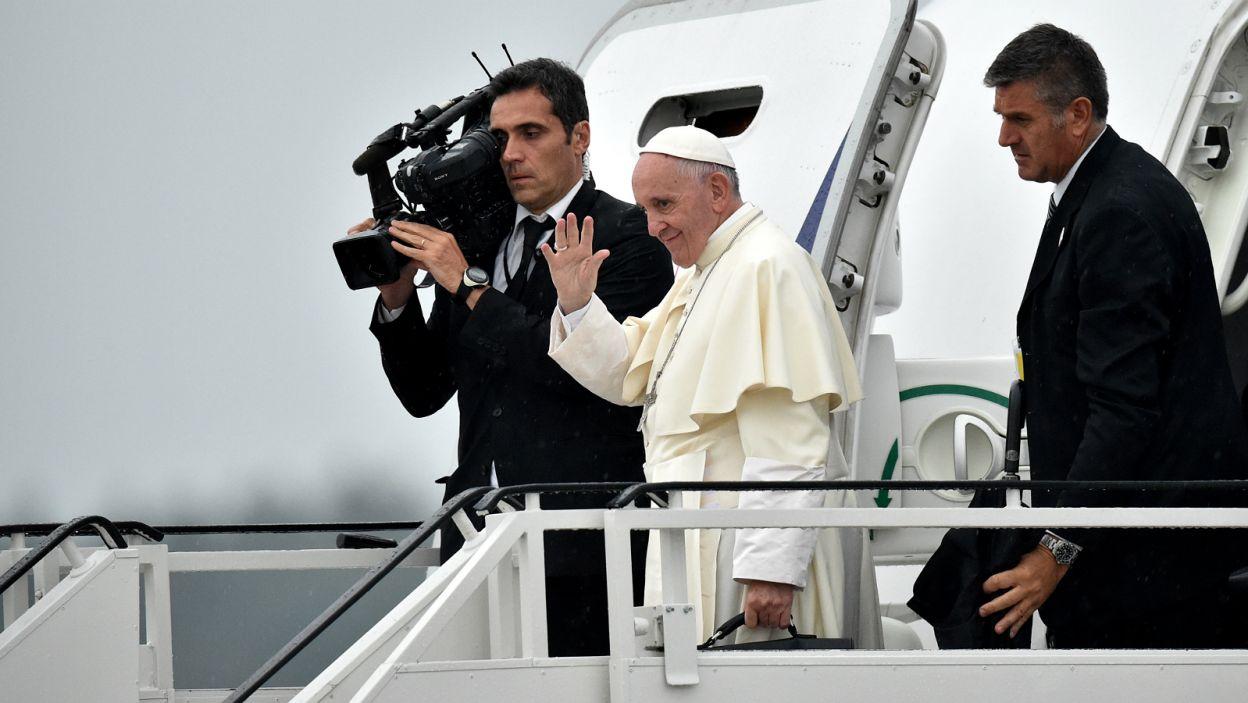 Papież odleciał do Rzymu dreamlinerem LOT-u (fot. PAP)