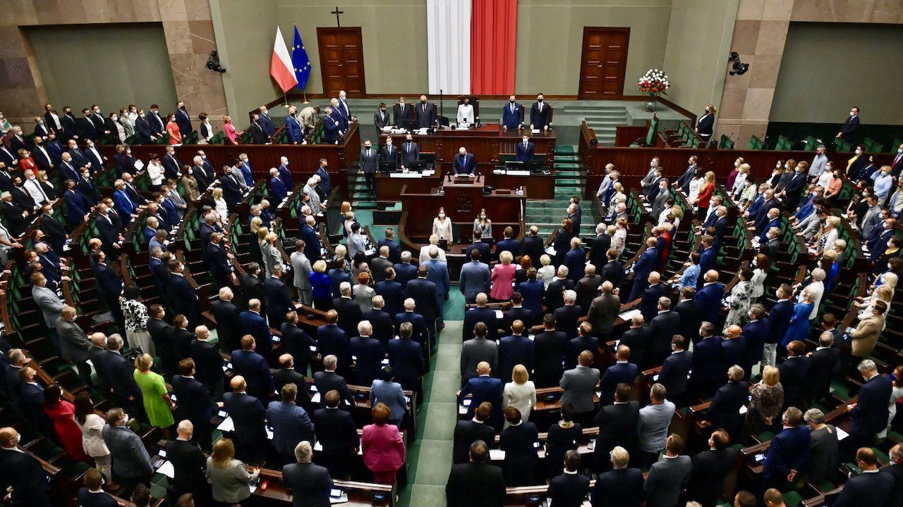Jak zagłosowaliby dziś Polacy? (fot. PAP/Radek Pietruszka)