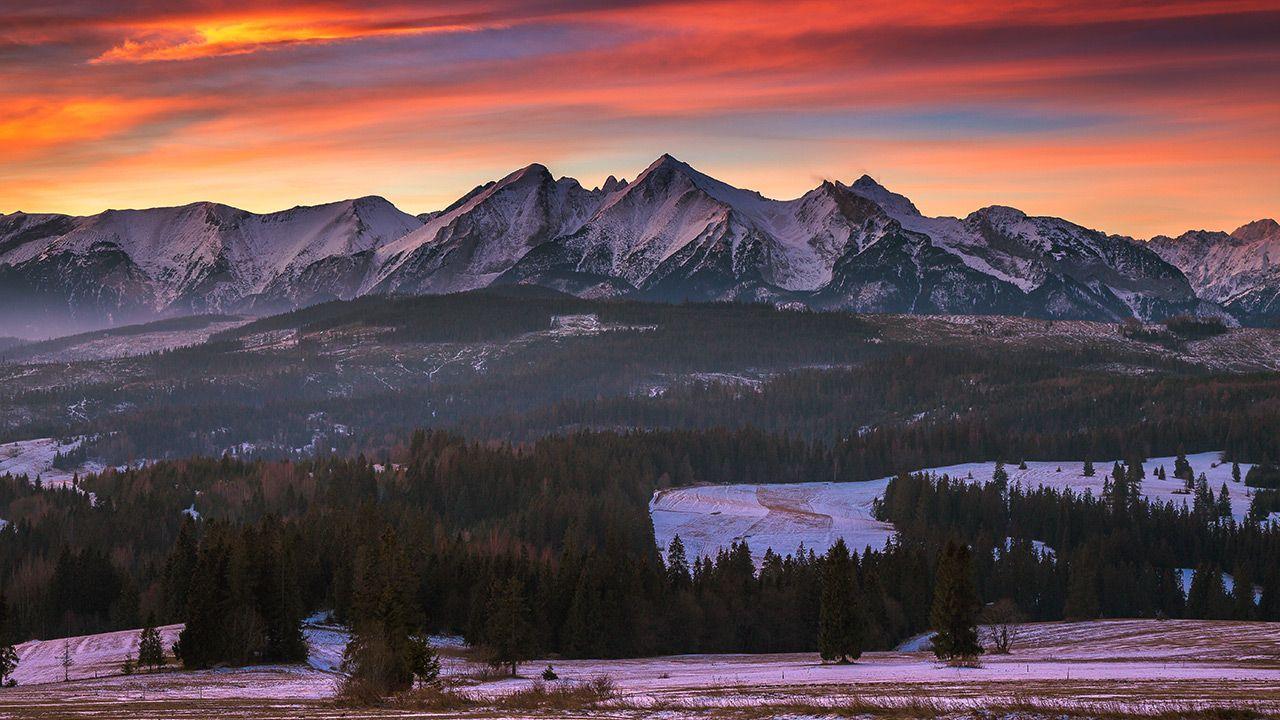 Wędrowanie nocą po Tatrach może być także niebezpieczne dla turystów (fot. Shutterstock/Pawel Uchorczak)