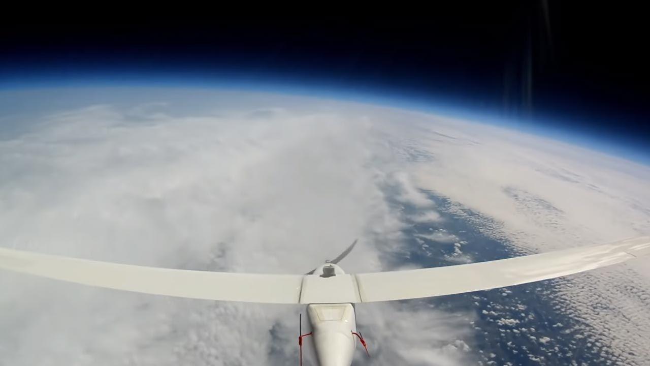 Takie drony mają niedługo pozwalać na prowadzenie licznych badań naukowych (fot. Cloudless)