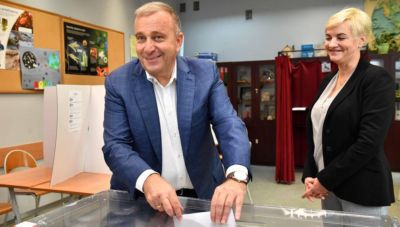 """Grzegorz Schetyna chce """"zrobić wszystko"""", by odbyła się międzynarodowa kontrola liczenia głosów w Polsce (fot. PAP/Maciej Kulczyński)"""