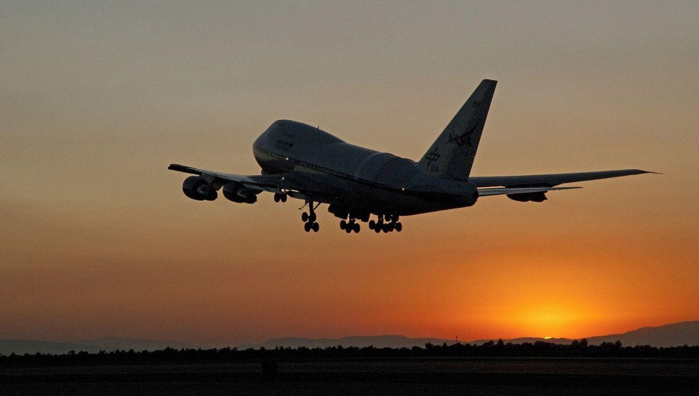 Na pokładzie samolotu znajdowało się 95 pasażerów i sześciu członków załogi (fot. pixabay/seeze)