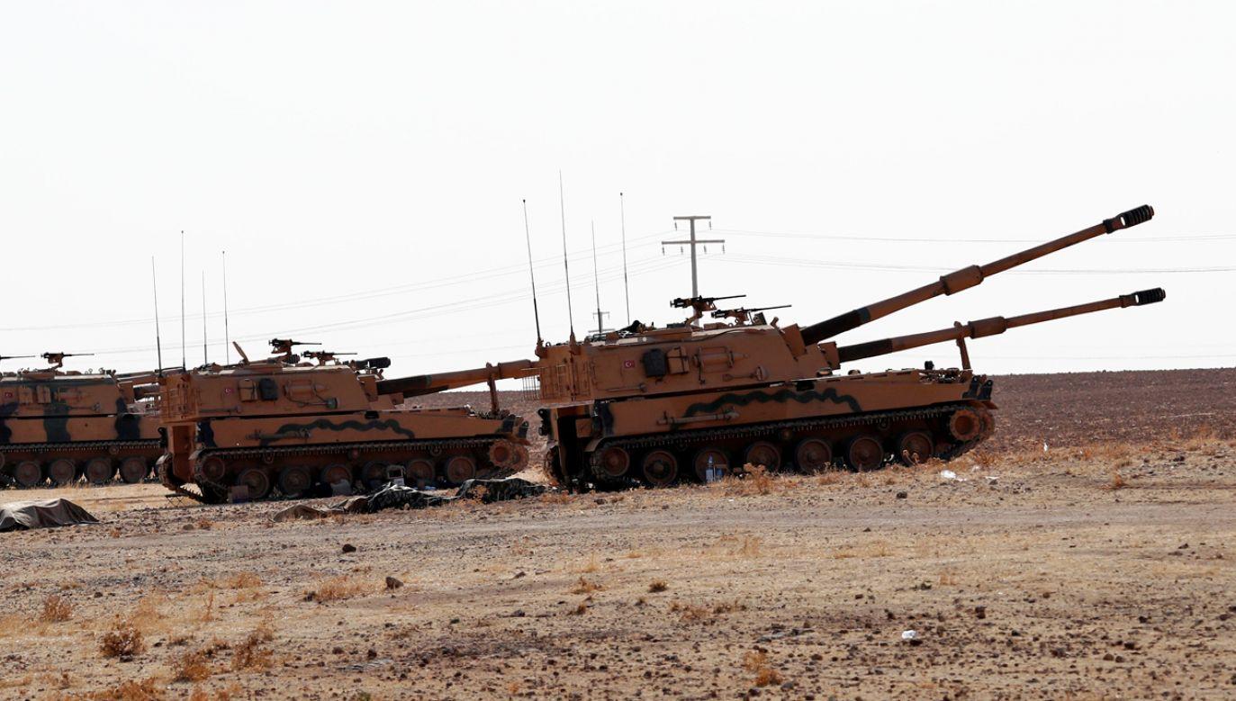 Siły tureckie na syryjskiej granicy (fot. REUTERS/Murad Sezer)