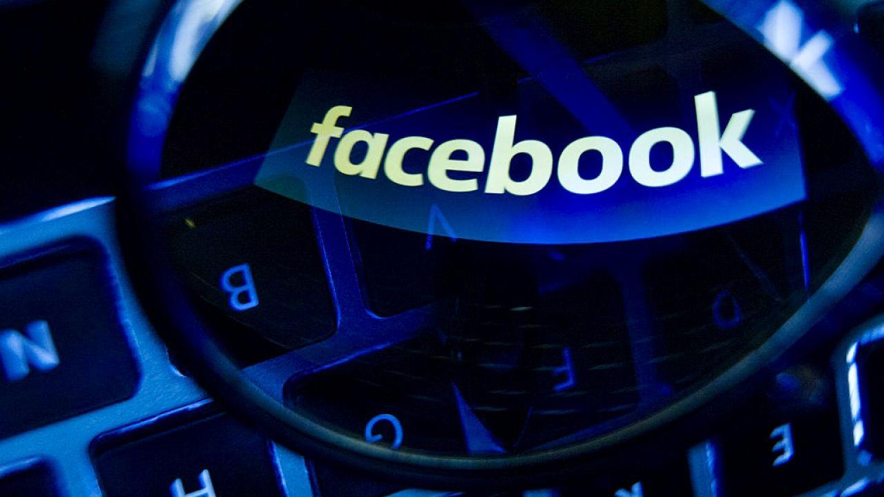 """""""Coraz częściej człowiek staje się dodatkiem do sieci"""" (fot. J.Arriens/NurPhoto/Getty Images)"""