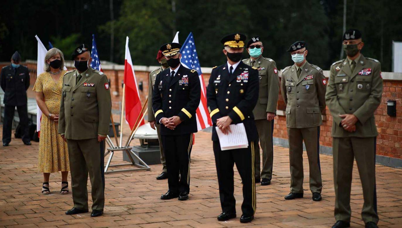 Mariusz Błaszczak spotkał się z ambasador USA w Polsce i amerykańskimi generałami (fot. PAP/Łukasz Gągulski)