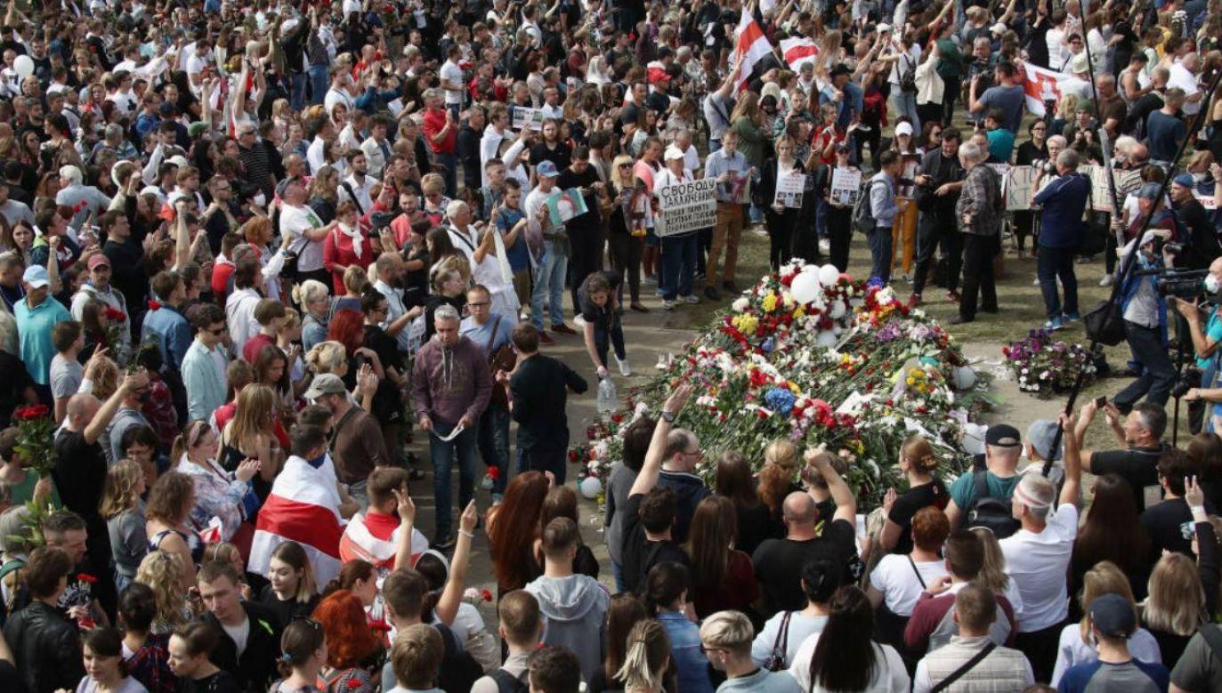Pogrzeb zgromadził tysiące osób (fot. Valery Sharifulin\TASS via Getty Images)