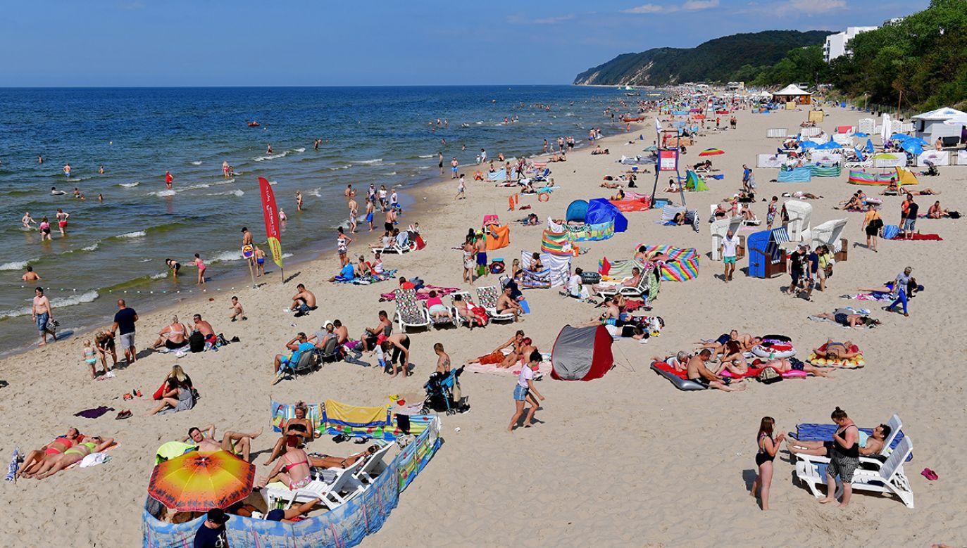 Na terenie Polski funkcjonuje 607 letnich kąpielisk (fot. PAP/Marcin Bielecki)