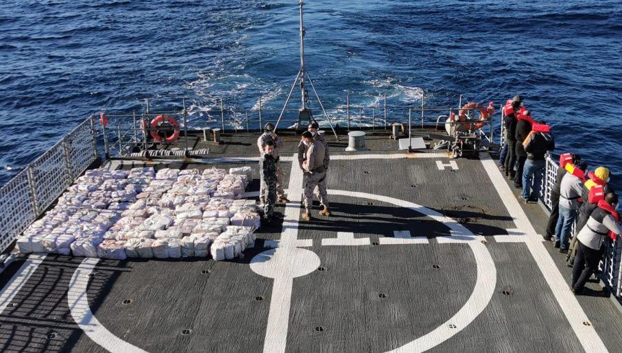 Kokaina na pokładzie okrętu hiszpańskiej marynarki wojennej (fot. Guardia Civil)