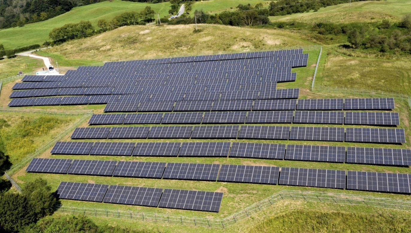 Do 2030 OZE ma stanowić 50 proc. generowanej energii (fot. arch.PAP/Darek Delmanowicz)