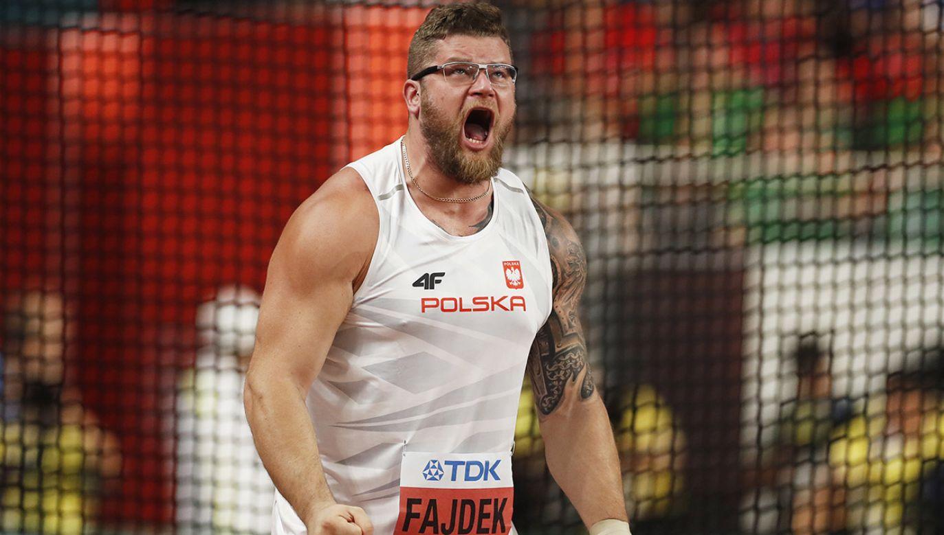 Na mistrzostwach świata Paweł Fajdek nie ma sobie równych od 2013 roku (fot. PAP/EPA/VALDRIN XHEMAJ)