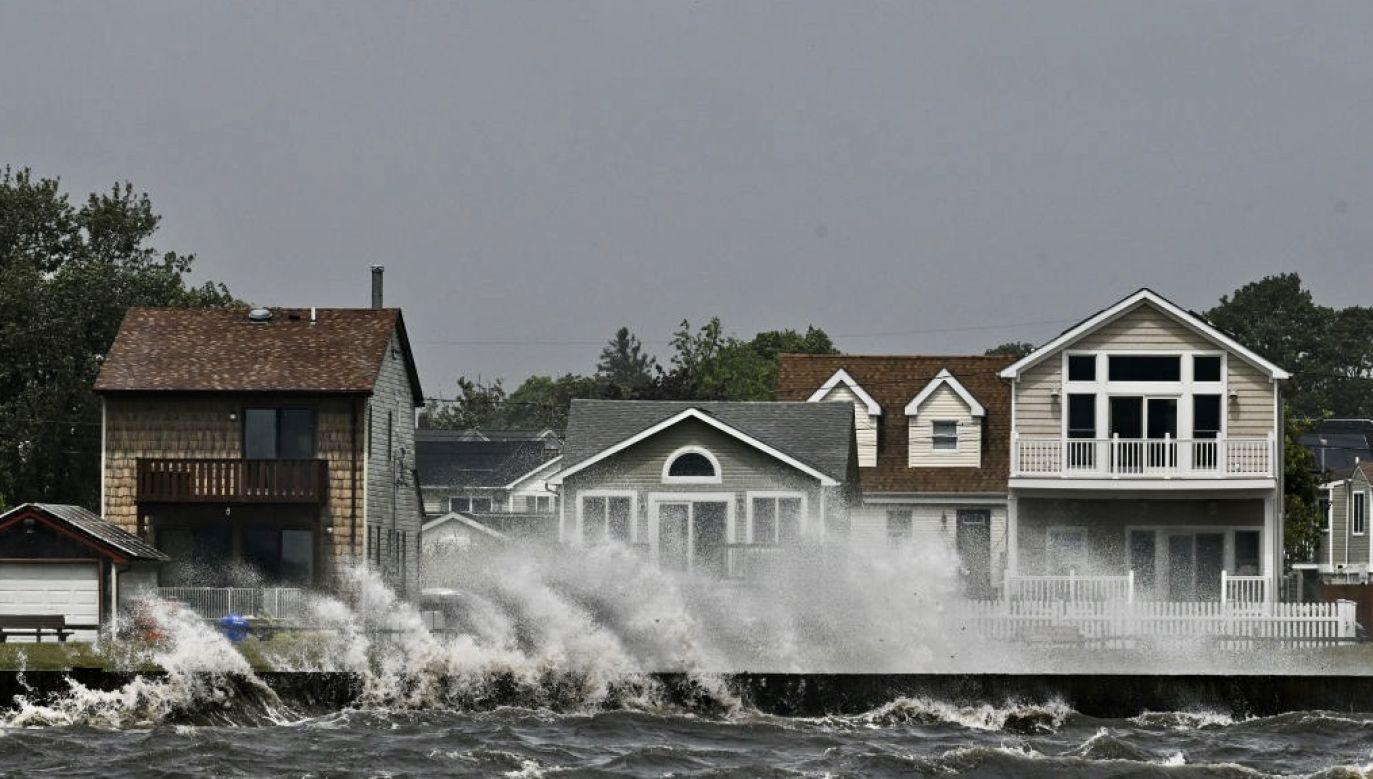 Huragan doprowadził m.in. do lokalnych powodzi i podtopień (fot. Steve Pfost/Newsday RM via Getty Images)