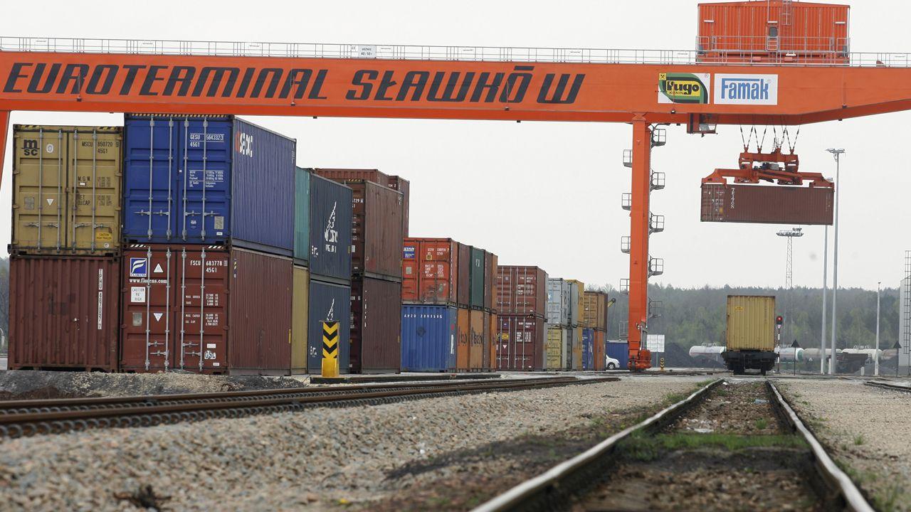 Po modernizacji Euroterminal Sławków, jest gotowy do przyjmowania i przeładunku towarów z Chin (fot. PAP/Andrzej Grygiel)