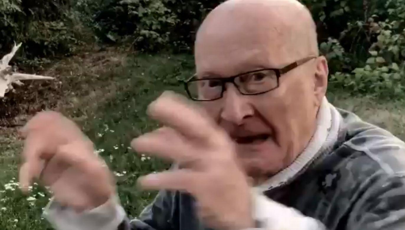 """Wojciech Pszoniak w spocie """"Nie świruj, idź na wybory"""", który miał zachęcać do aktywnego uczestniczenia w wyborach parlamentarnych (fot. TT/Piotr Lis)"""