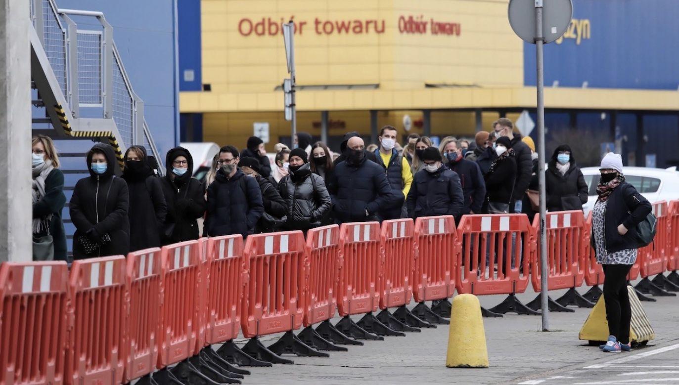 Black Friday otworzył przedświąteczny okres zakupowy (fot. PAP/Tomasz Gzell)