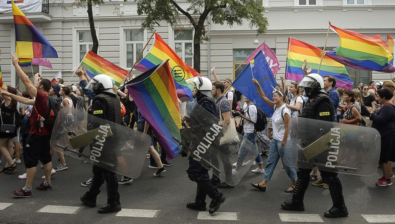 Wiceminister Zieliński uważa, że środowiska LGBT powinny zminić swój sposób działania (fot. arch PAP/Wiktor Dąbkowski)