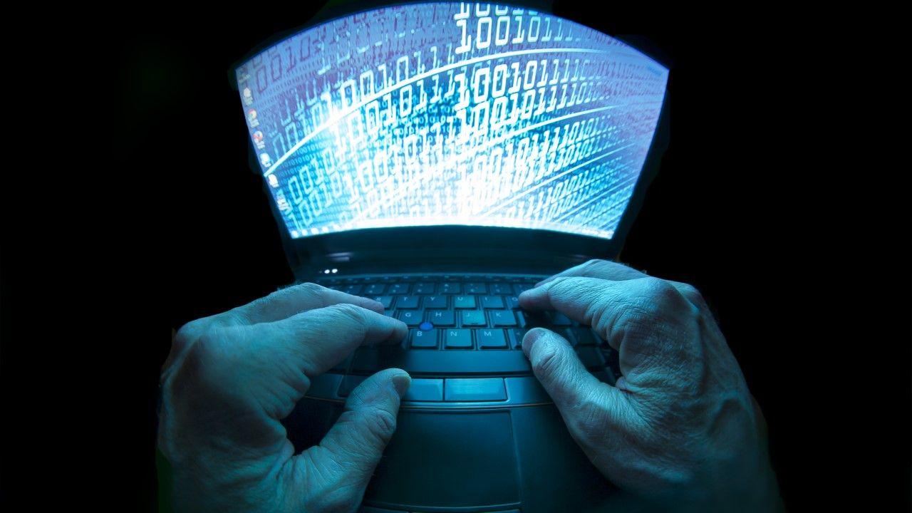 Powiązana z Rosją grupa hakerów włamała się do systemów ok. 200 firm (fot. Bill Hinton / Contributor / Getty Images)
