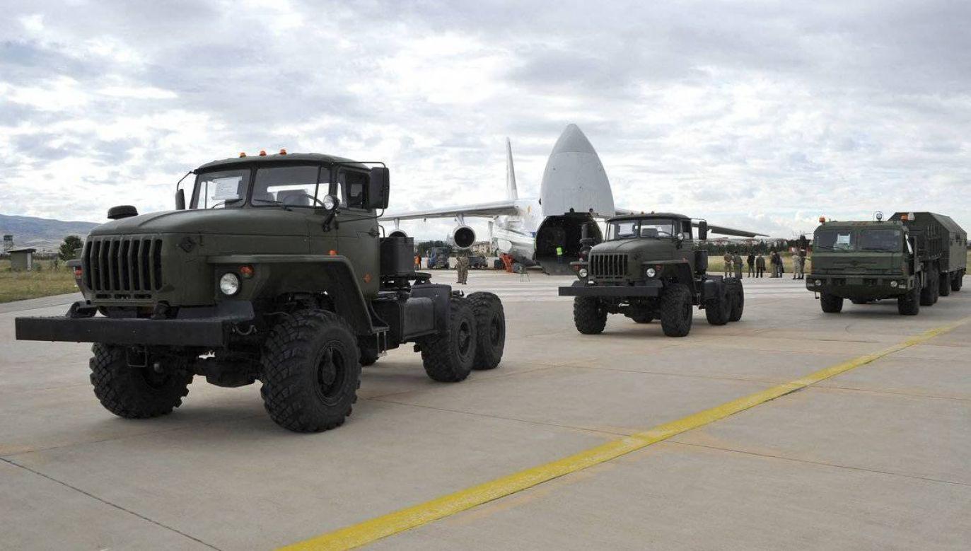 Amerykańscy eksperci uważają, że zestawy S-400 mogą stanowić zagrożenie dla sił powietrznych NATO (fot. PAP/Abaca)