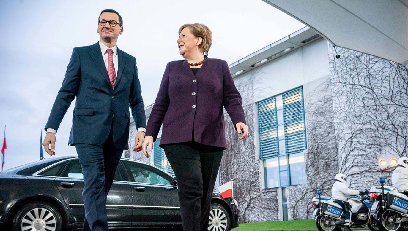 Szef rządu rozmawiał w piątek telefonicznie z kanclerz Niemiec Angelą Merkel (fot. PAP/Michael Kappeler/dpa)