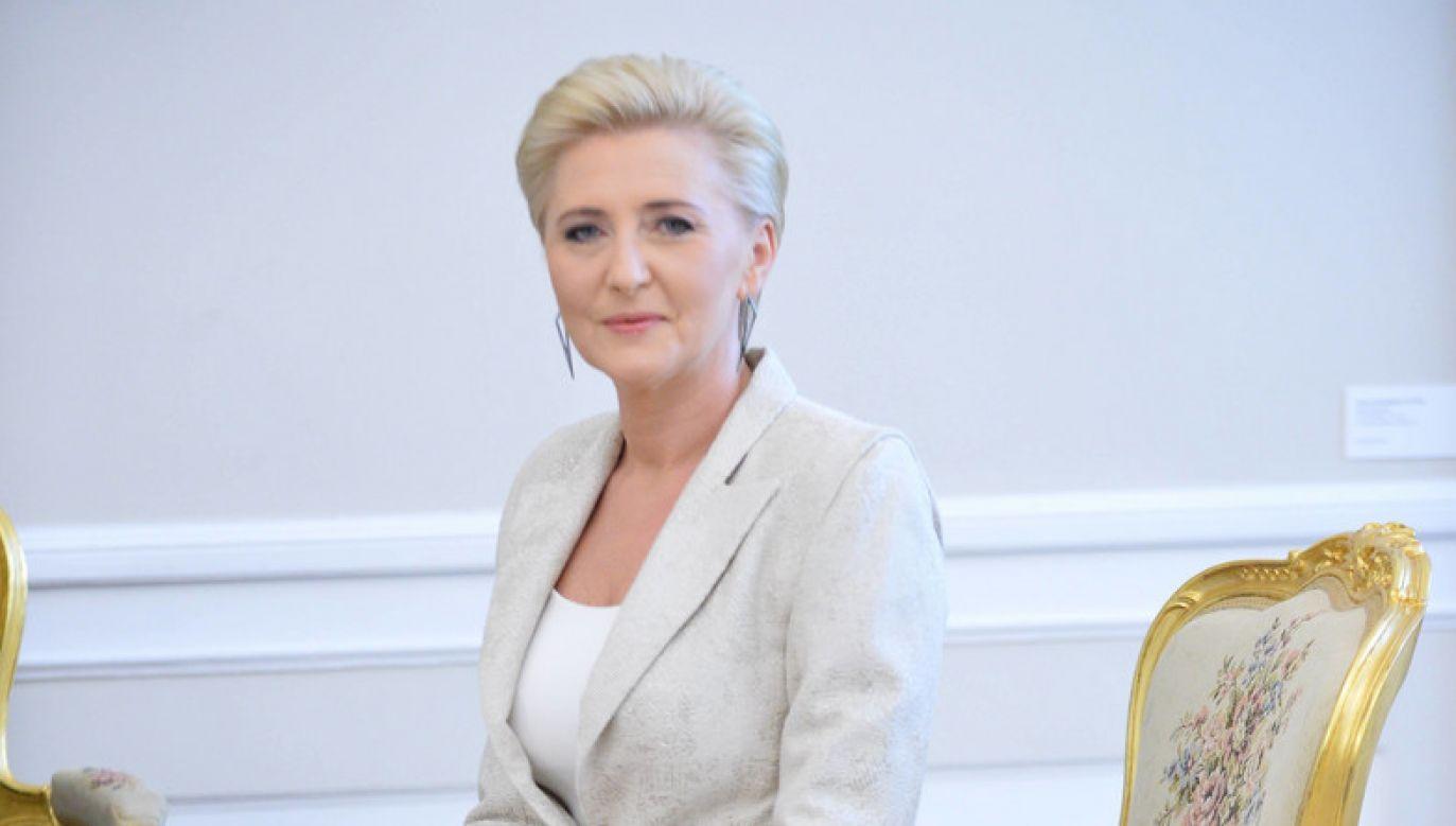 Pierwsza Dama wyraziła także dumę z - jak powiedziała - wspaniałej postawy Polaków (fot. Jacek Turczyk/PAP)