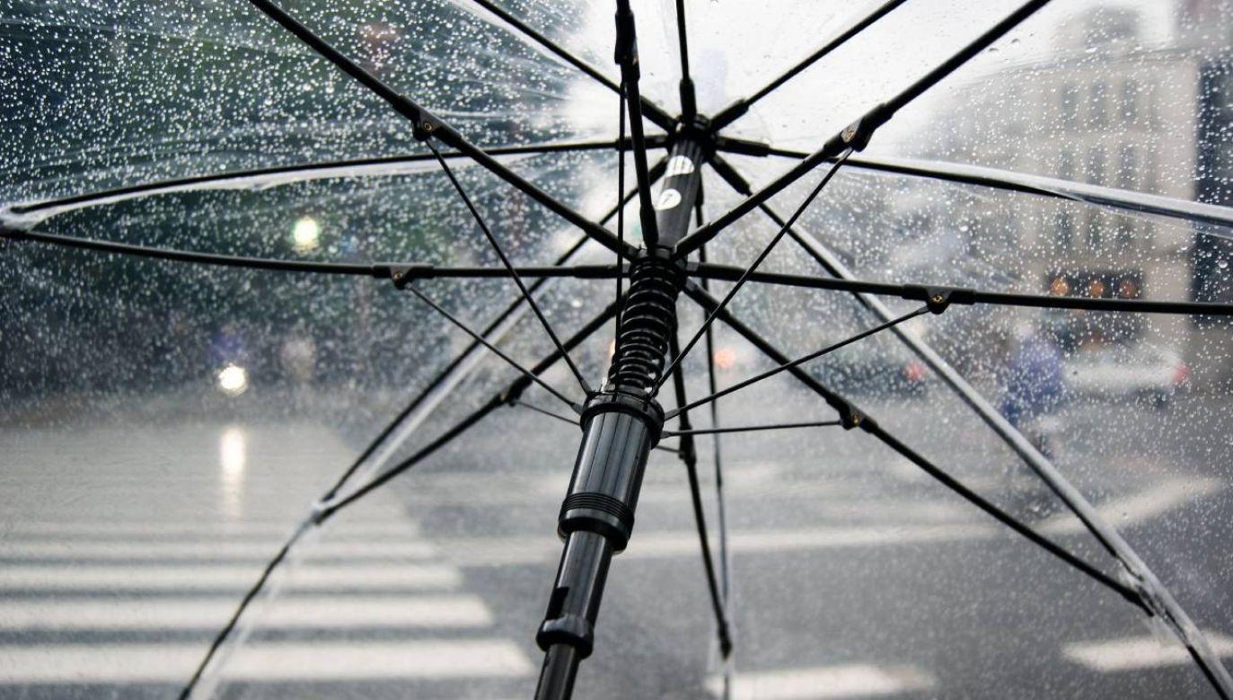 Strefa deszczu będzie przesuwała się na wschód (fot. Pexels)