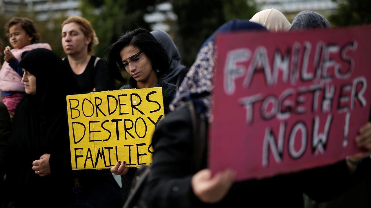 Protest migrantów w Grecji, którzy chcieli dołączyć do rodzin w Niemczech (fot. REUTERS/Alkis Konstantinidis)