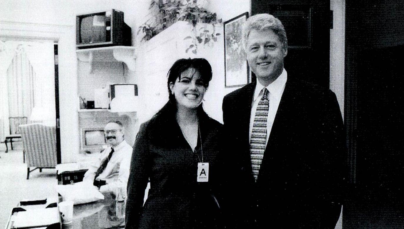 Romans Billa Clintona i Moniki Lewinski ujrzał światło dzienne w 1998 roku (fot. Getty Images)