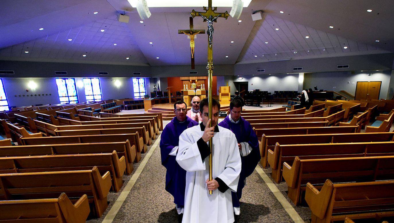 Transmisje w internecie to odpowiedź Kościoła na restrykcje związane z epidemią koronawirusa w Polsce (fot. eremy Papasso/MediaNews Group/Boulder Daily Camera via Getty Images)
