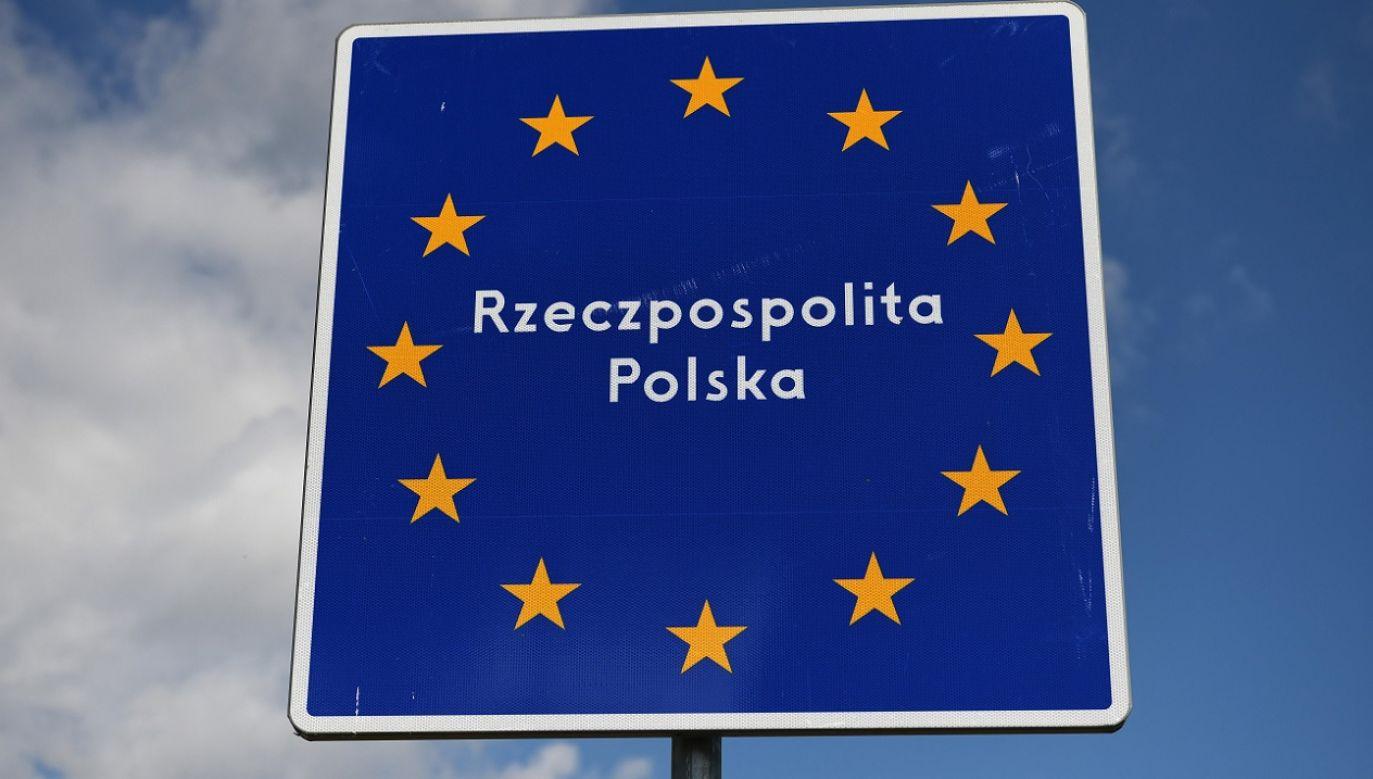 Nielegalne przekroczenie granicy skutkuje teraz m.in. zakazem wjazdu do Strefy Schengen (fot. PAP/Darek Delmanowicz)