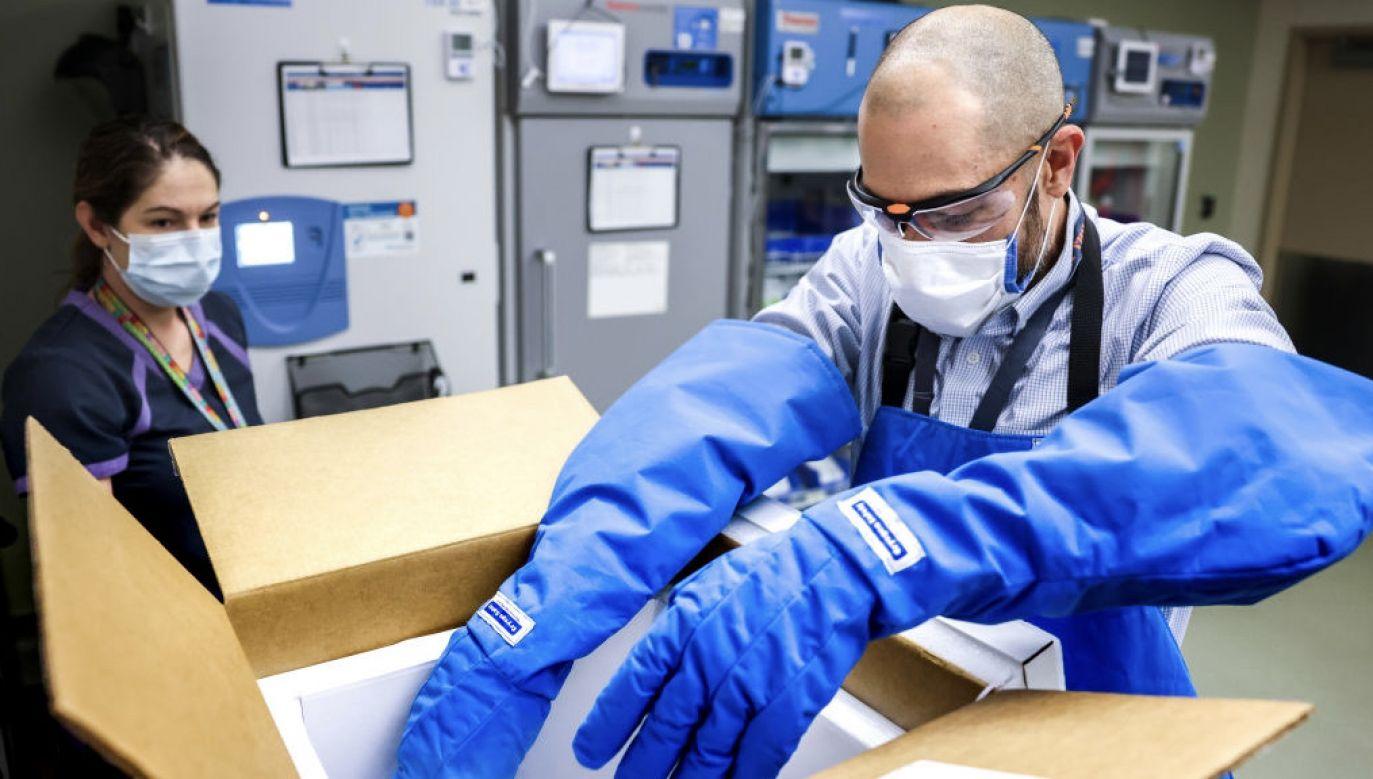 Produkcjąszczepionek zajmująsię m.in. Pfeizer i Moderna (fot. Michael Ciaglo/Getty Images)