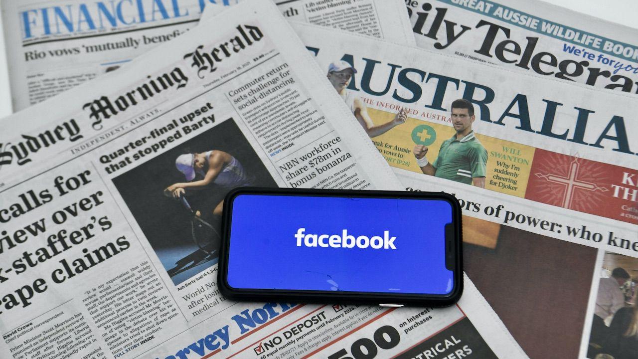 """Spór z Facebookiem jest """"bitwą zastępczą"""" szerszych zmagań (fot. PAP/EPA/LUKAS COCH)"""