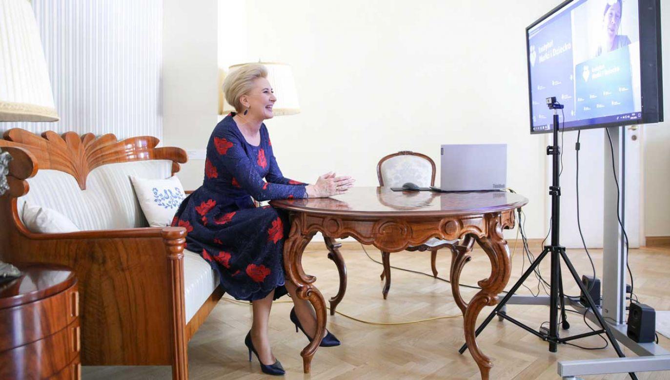 Agata Kornhauser-Duda w czasie wideokonferencji z okazji dnia matki w Instytucie Matki i Dziecka (fot. Krzysztof Sitkowski/KPRP)