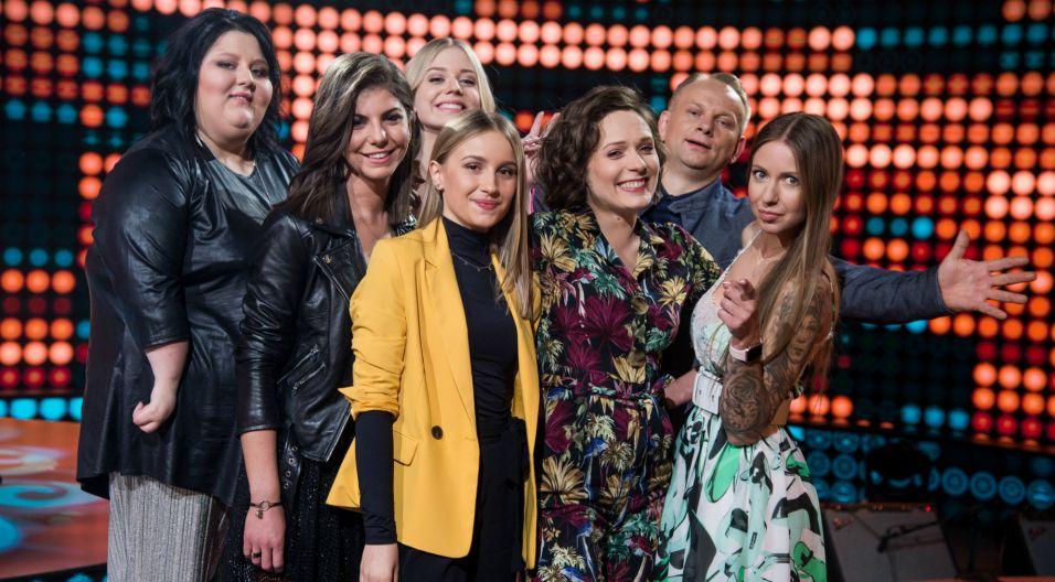 W finale sezonu zwycięzcy poszczególnych odcinków śpiewali dwie piosenki, jedną w duecie z artystą i drugą solowo, wylosowaną przez prowadzącego (fot. J. Bogacz/TVP)