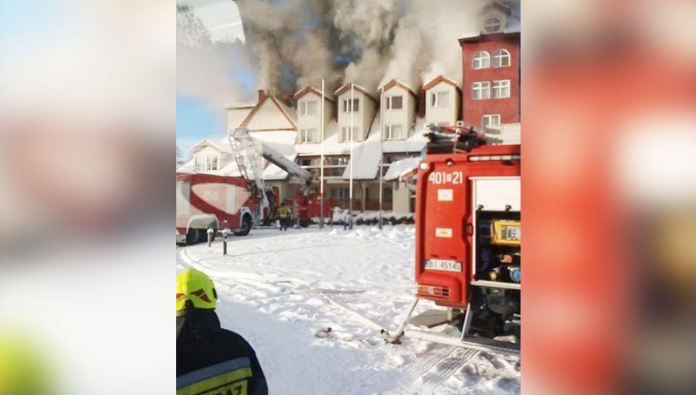 Z hotelu ewakuowano 50 osób (fot. Facebook/OSP Giby)