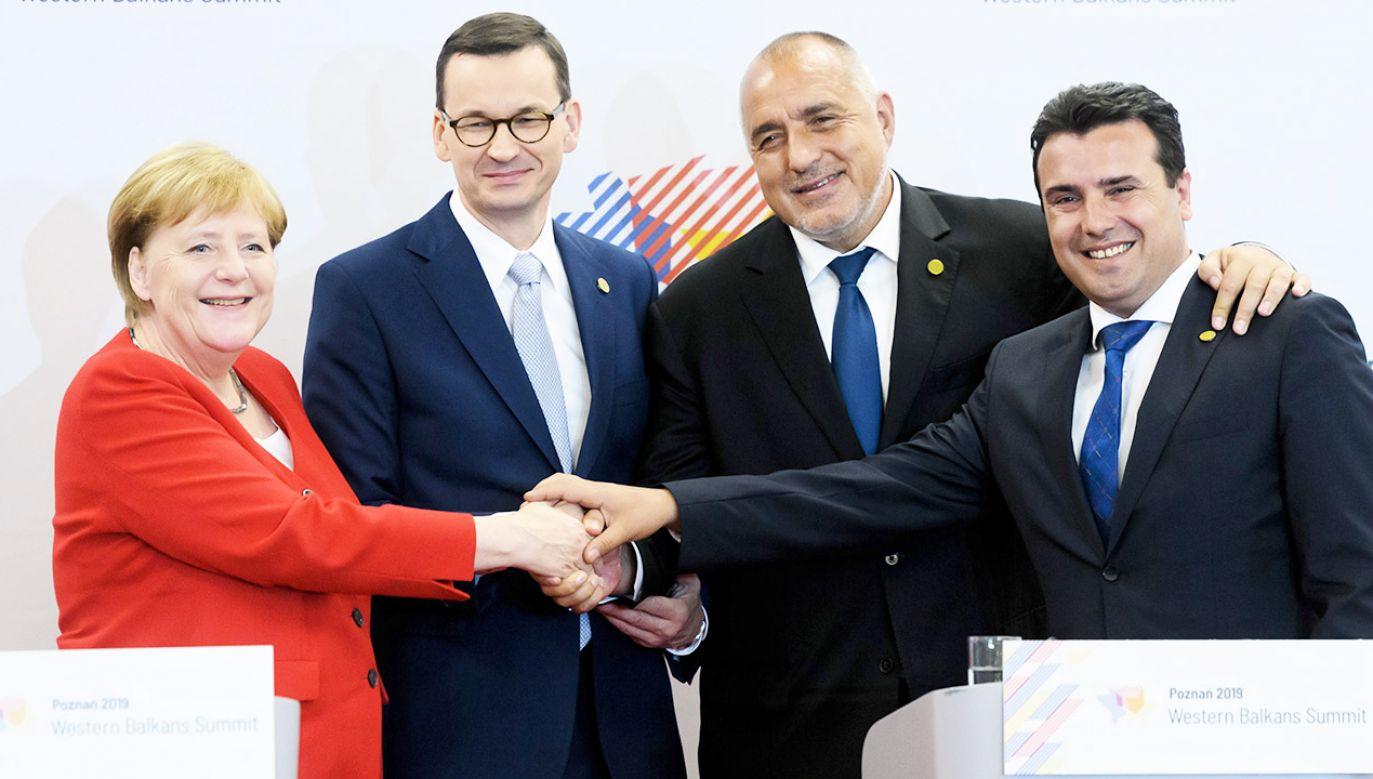 Premier Mateusz Morawiecki (2L), kanclerz Niemiec Angela Merkel (L), premier Bułgarii Bojko Borisow (2P) oraz premier Macedonii Północnej Zoran Zaew (P) podczas konferencji prasowej szefów rządów Polski, Niemiec, Bułgarii i Macedonii Północnej w ramach Szczytu Bałkanów Zachodnich (fot. PAP/Jakub Kaczmarczyk)